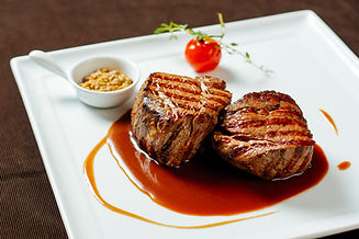 Filet mignon with red wine sauce, mustar