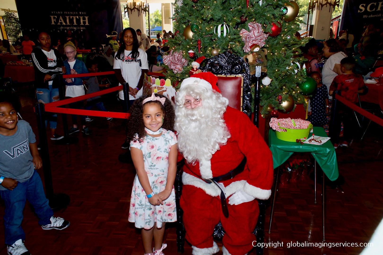 TLC_Holiday2018_HighRes_082.JPG