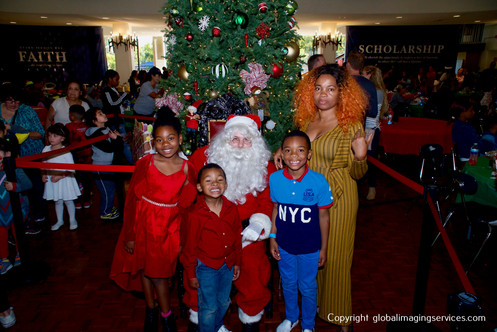 TLC_Holiday2018_HighRes_078.JPG