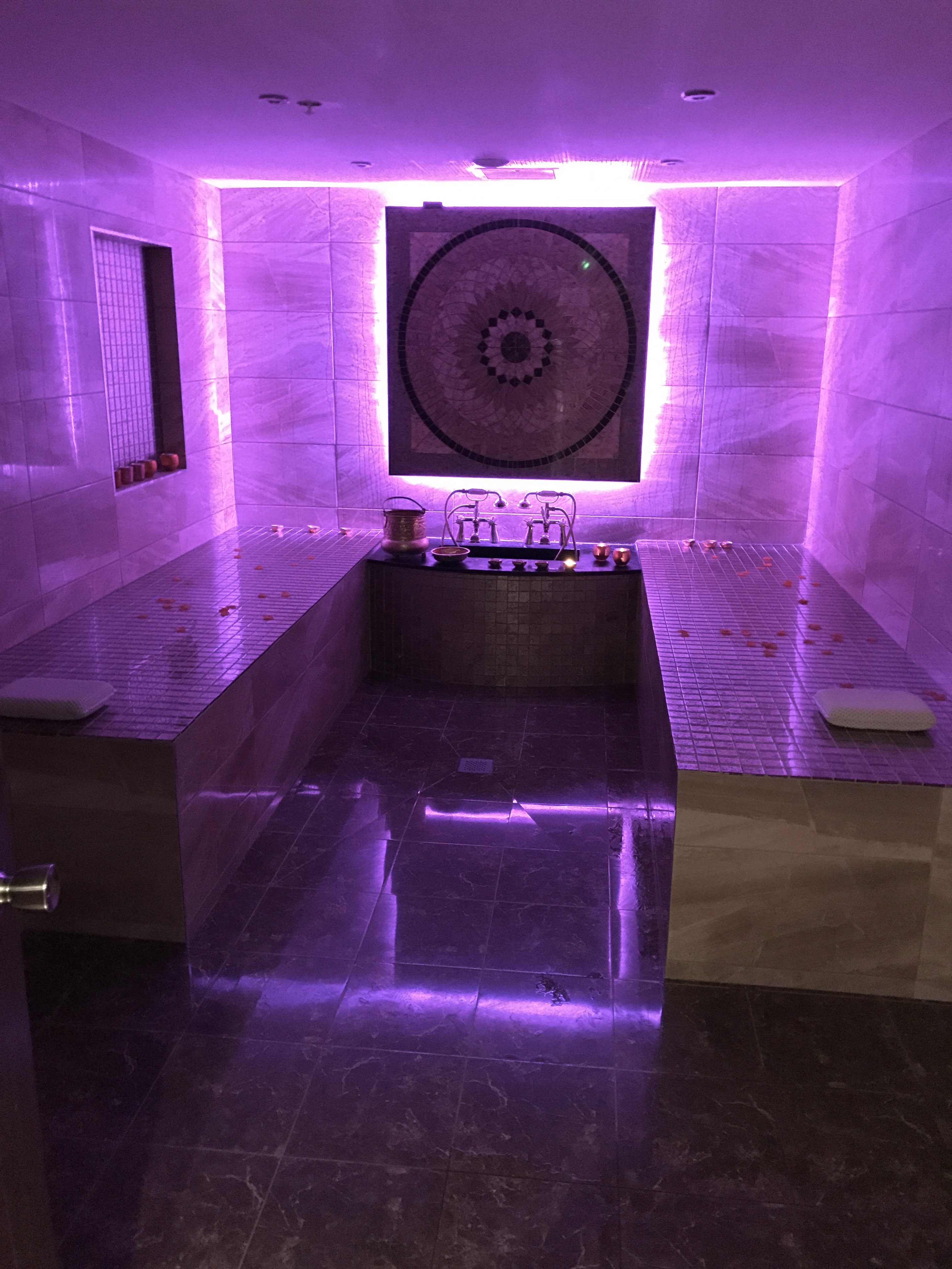 Hammam in Purple