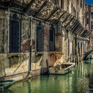 BACK CANAL VENICE.jpg