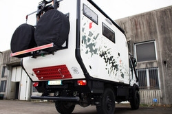 expedition truck