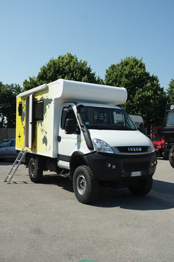 Expedition Iveco 35s18w 03