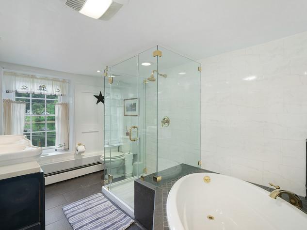 Riverstone Bath room 1 Bathtub