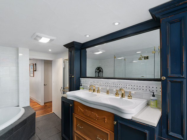 Riverstone Bath room 1