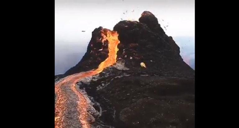 DRC Goma volcano 5.2021 1a.jpg