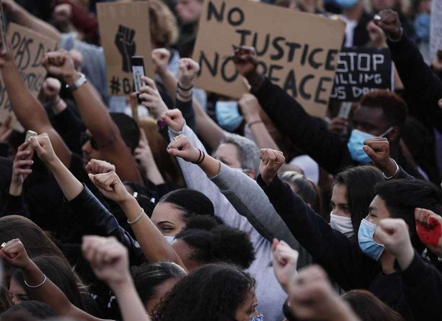 PEACEFUL PROTEST - GEORGE FLOYD - FRANCE