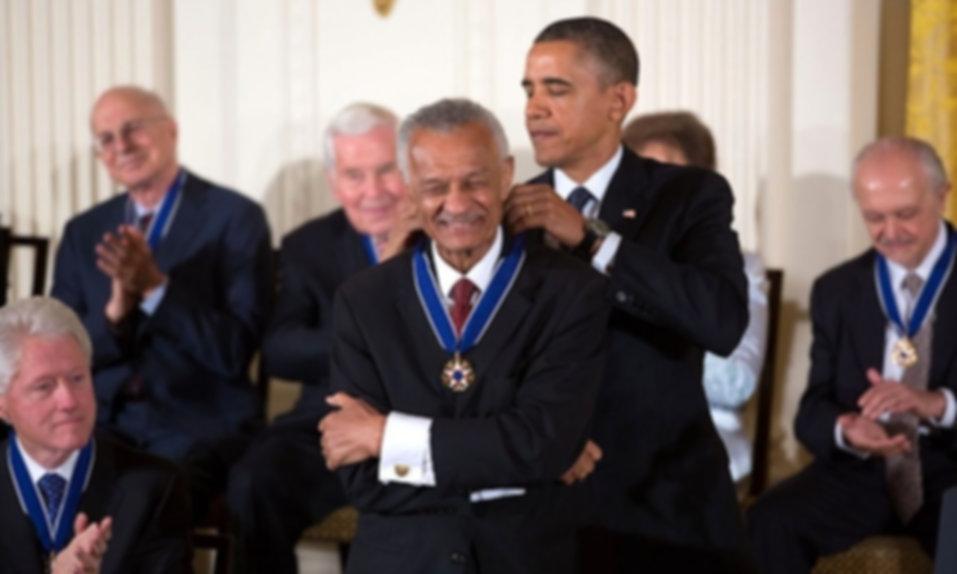 CT Vivian_receives_2013_Presidential_Med
