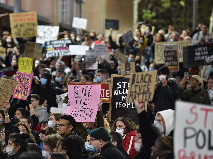 PEACEFUL PROTEST - GEORGE FLOYD - AUSTRA