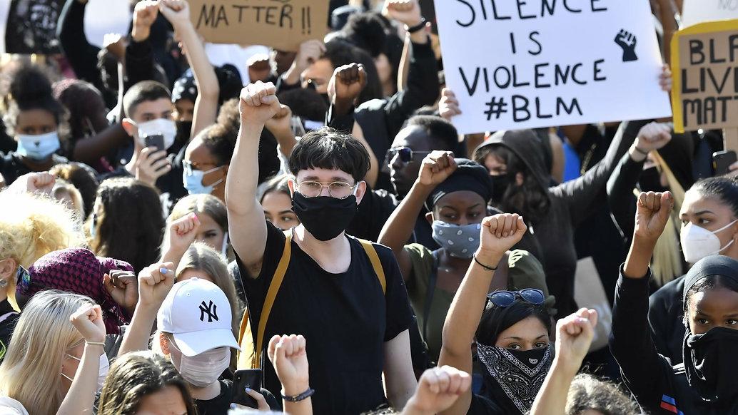 PEACEFUL PROTEST - GEORGE FLOYD - STOCKH