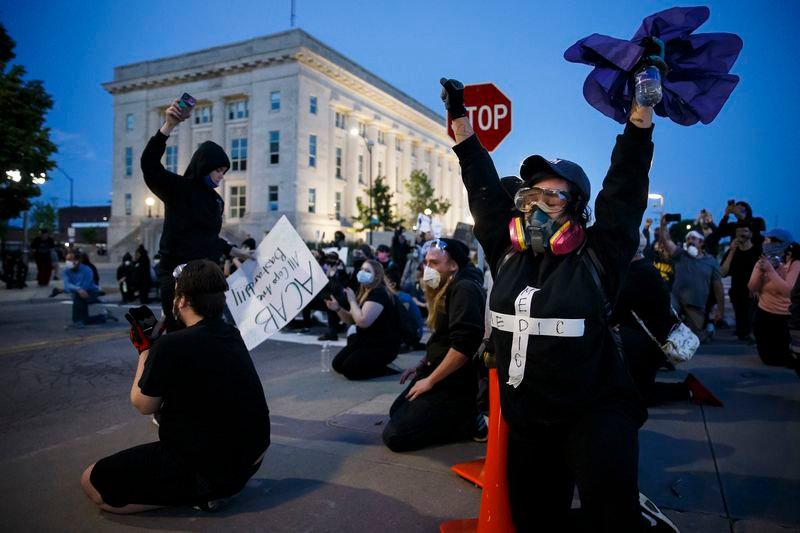 PEACEFUL PROTEST - GEORGE FLOYD - DES MO