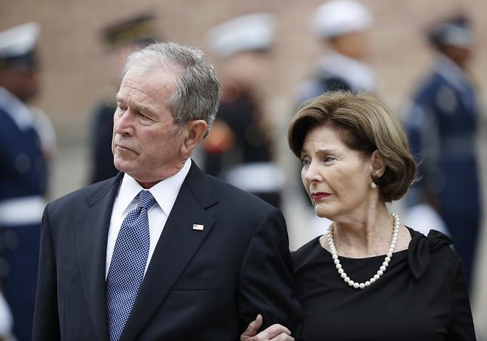 PRESIDENT GEORGE AND LAURA BUSH.jpg