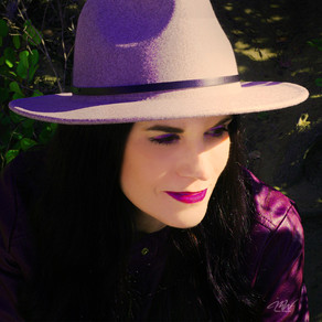 "Kathryn Cloward's new single ""Magic Between Me and You"" fills listeners with positivity"