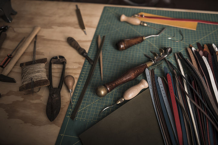 Outils de travail en cuir