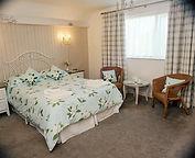 Hotel%20bedroom.jpg