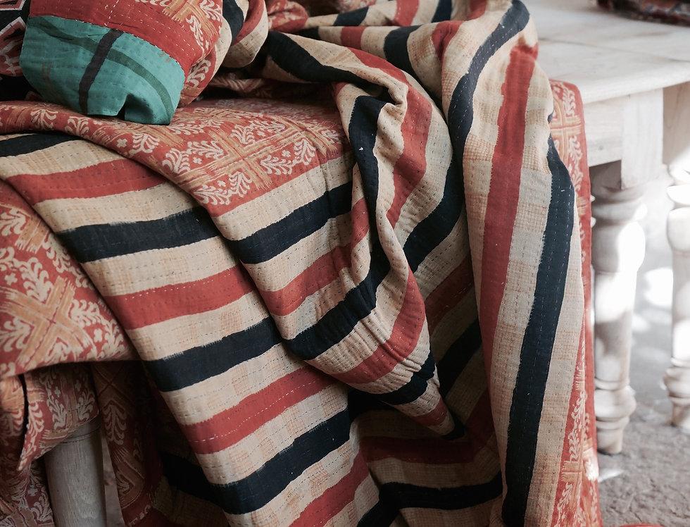 vintage plai/bouti ancien Inde/couvre lit vintage/bout de lit/ jeté de lit courtepointe/quilted bed throw/plaid vintage/plaid