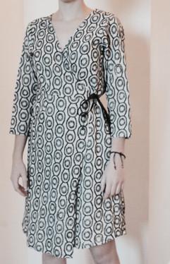 Petite robe motifs noirs et blancs