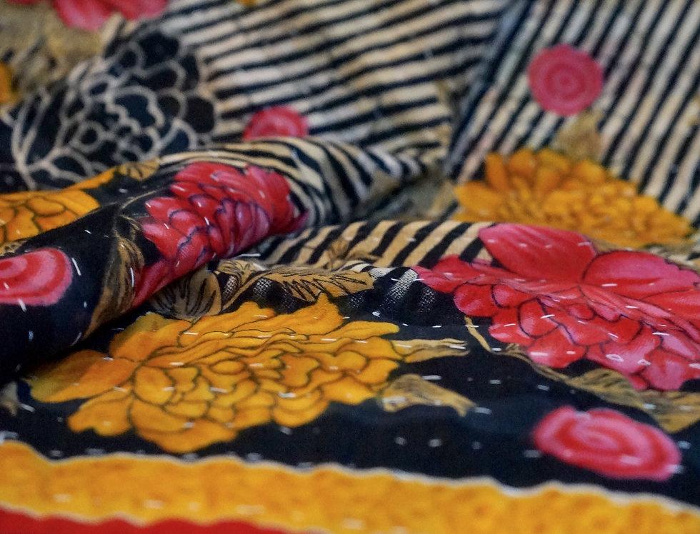 plaid indien/bouti ancien Inde/couvre lit vintage/bout de lit/ jeté de lit courtepointe/quilted bed throw/plaid vintage/plaid