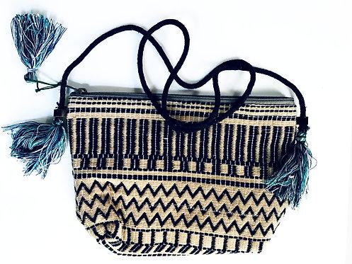 Sac à main brodé avec ponpons/sac boheme chic/sac ethnic chic/sac indie