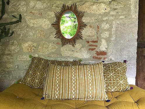 Lot de 4 housses de coussin jaune safran/motifs différents/tissu batik ha
