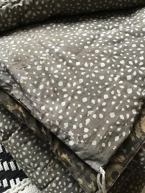 Edredon/courtepointe léger tout coton réversible tons gris et bruns