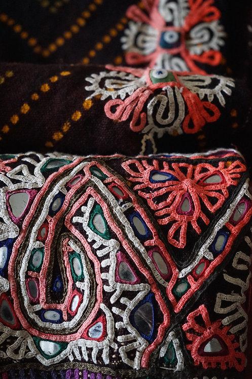 Couvre-lit motif Ethnic, broderie main, Inde (vendu)