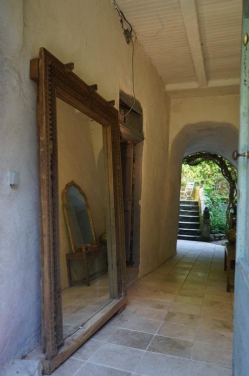 grand miroir sculpté Inde/grand miroir sculpté bois/miroirs indiens/antiquités Inde Paris/antiquités indiennes/meubles Inde