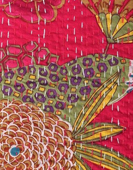 Bedspreads/Heal's/Jamini/couvre lit/coussins/tissus/plaid/Paris/London/Figeac/Cahors/fleurs/printemps/shop/cushions/déco