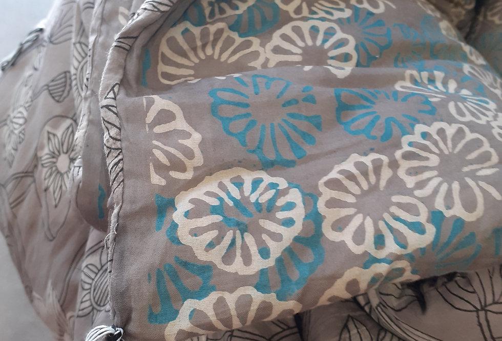 Edredon/courtepointe léger tout coton réversible tons vert, gris et bleu