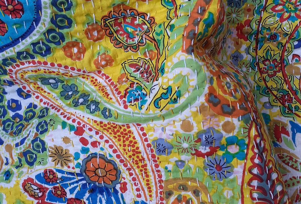 Couvre lit (bedcover) motif fleurs cachemire jaune citron