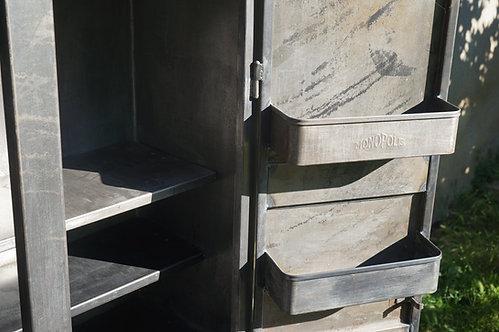 brocante/Figeac/meubles/bois/indus/industriel/Inde/métier/armoire-métal/vitrine/Paris/sentou/armoire-monopolis/Cahors/Lot