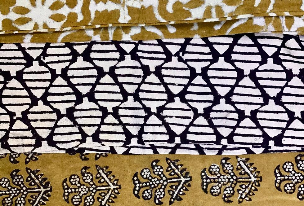 Lot de 4 housses de coussin jaune safran/motifs différents/tissu batik