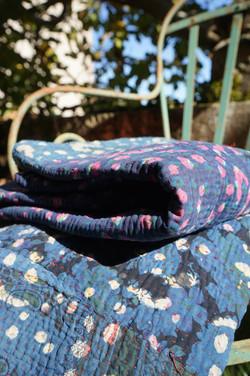 bed cover, couvre lit indigo shibori