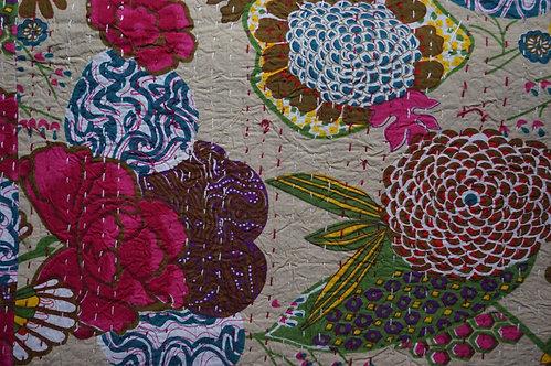 Couvre lit (bedcover) motif fleurs et fruits beige