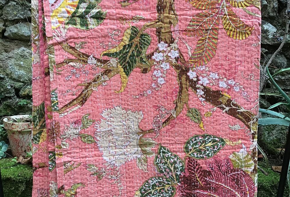 Couvre lit (bedcover) motif japonisant fleurs rose  orange