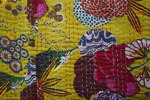 couvre lit jaune fleurs/Jamini/coussins/tissus/plaid/Paris/London/Figeac/Cahors/oiseaux/printemps/shop/cushions/déco
