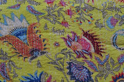 Couvre lit motifs japonisants courtepointe (bed cover) fond jaune clair