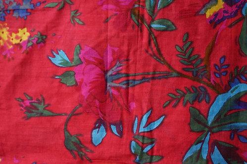 Bedspreads/Heal's/Jamini/couvre lit/coussins/tissus/plaid/Paris/London/Figeac/Cahors/oiseaux/printemps/shop/cushions/déco