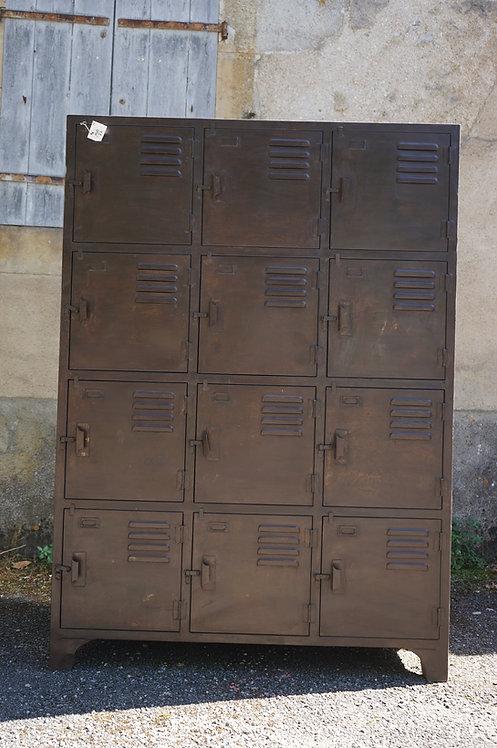 brocante/Figeac/meuble/bois/indus/industriel/Inde/métier/armoire/casiers/Paris/jaylac/chatou/puces/clignancourt/Cahors/Lot