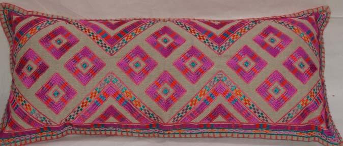 Embroidered Lumbar Pillow Cover housse de coussin la maison générale Merci boutique lit meubles décoration caravane Paris
