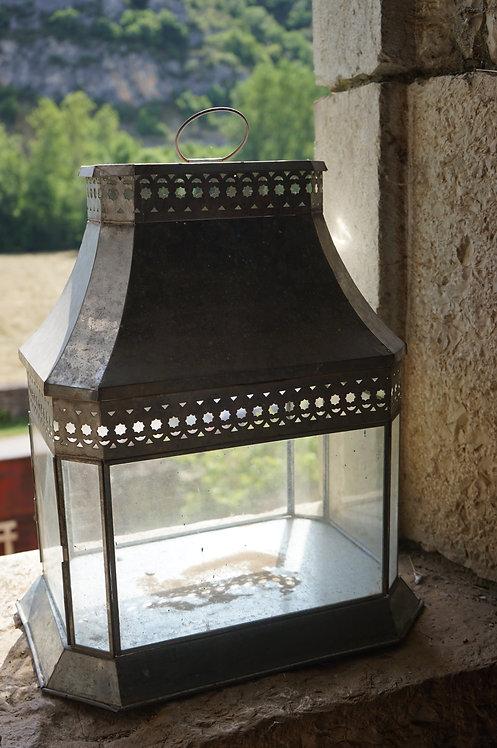 brocante/Figeac/bois/indus/industriel/Inde/lampe-orientale/Paris/sentou/chatou/lot/lanterne-métal/Cahors/Lot