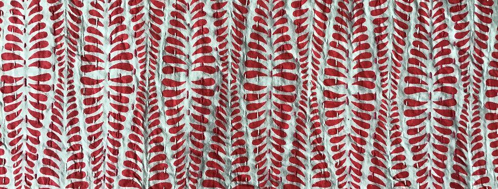 Couvre lit motif  feuilles rouge et blanc