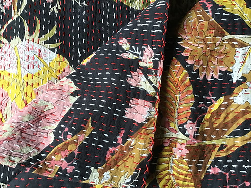 Couvre lit (bedcover) motif japonisant noir et oranger