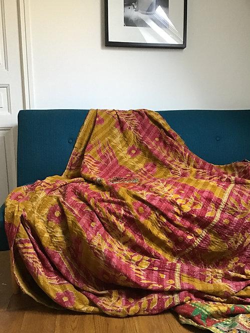 plaids vintage/bouti ancien Inde/couvre lit vintage/tissus caravane/quilted bed throw/plaid vintage/courtepointe/plaid