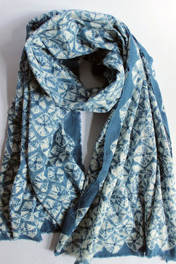 foulard shibori petits motifs