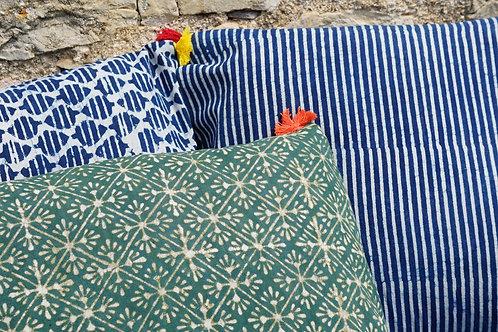 coussin batik vert/coussin batik/coussin handblock/coussin tissu indien/meuble indien/charpoy/lit indien/matelas charpoy