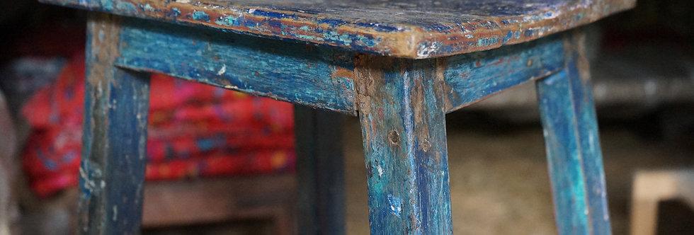brocante/Figeac/meubles/bois/indus/industriel/Inde/stele/trépied/socle-bois/Paris/sculpture/socle/atelier/Cahors/Lot/artiste