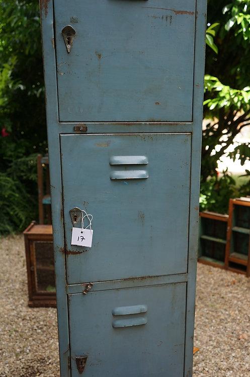 brocante/Figeac/casiers/métal/indus/industriel/Inde/métier/vestiaire/Paris/toulouse/meuble-postal/clignancourt/meuble/Lot