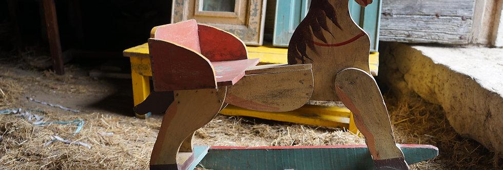brocante/Figeac/meubles/bois/indus/industriel/Inde/petits-chevaux-de-bois//Paris/sentou/clignancourt/Cahors/Lot