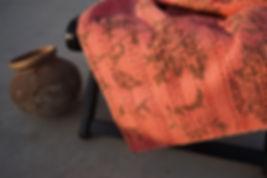 tissus indiens/couvre lit indien:couvre lit fait main/artisanat indien/couvre lit caravane/quilted bed cover/birds bed cover/flowers bed cover/bed throw with flowers/plaid vintage/plaid indien/courtepointe Inde/couvre lit courtepointe/couvre lit oiseaux et fleurs/couvre lit fleurs et fruits/fruits bed cover/jamini couvre lit/jamini design/sensitive et fils plaids/plaids indiens bordeaux/tissus Figeac/linge de maison figeac/couvre lit Cahors/edredon velours/couvre lit indien Paris/artisanat indien paris/mobilier indien Toulouse/tissus inde Paris/tissus indiens paris/tissus Figeac/tentures indiennes/boutique déco toulouse/boutique déco figeac/mobilier indien  Bordeaux/boutis indiens/boutis Inde/boutis jamini/maison du monde/tissus cousus main/handmade bed cover/